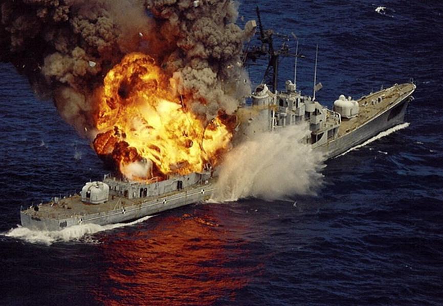отпевания тонет американский корабль фото девушка амазонка